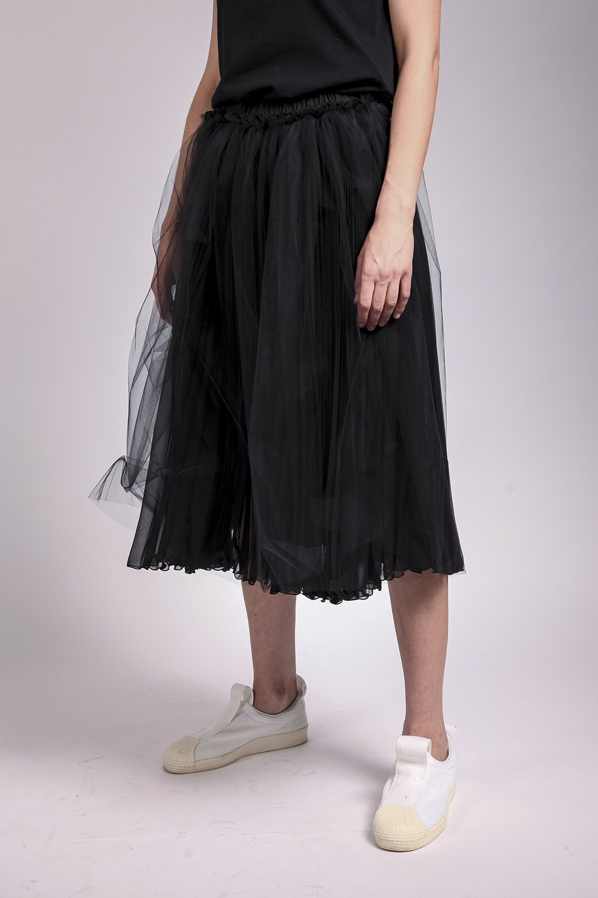COMME DES GARÇONS TRICOT - COMME DES GARÇONS TRICOT BLACK SKIRT WITH TULLE